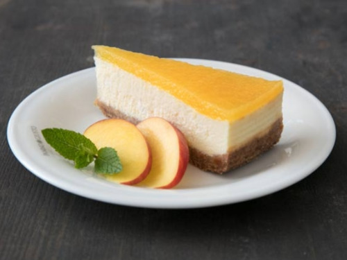 The perfect summer dessert: peach cheesecake